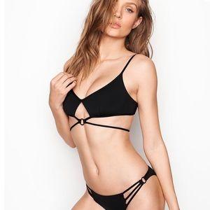 ✨Victoria's Secret Strappy Bikini Top✨